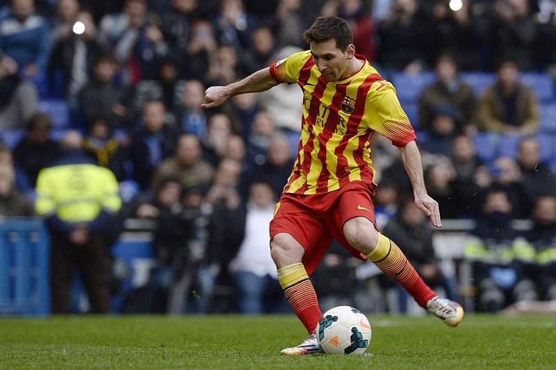 Barcelona vence Espanyol com penálti de Messi