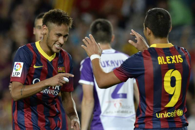 Brown suspenso por três jogos por pontapear Neymar