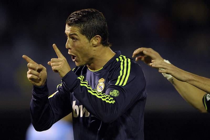 PSG descarta Ronaldo, mas quer renovar com Beckham