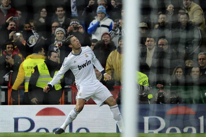 Golos de Ronaldo salvam sempre o Real