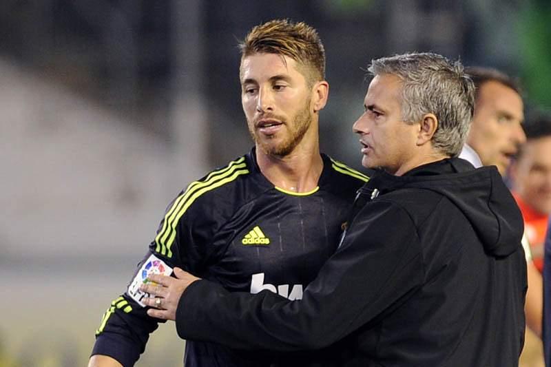 Sergio Ramos elogia Mourinho a um jogo da sua despedida