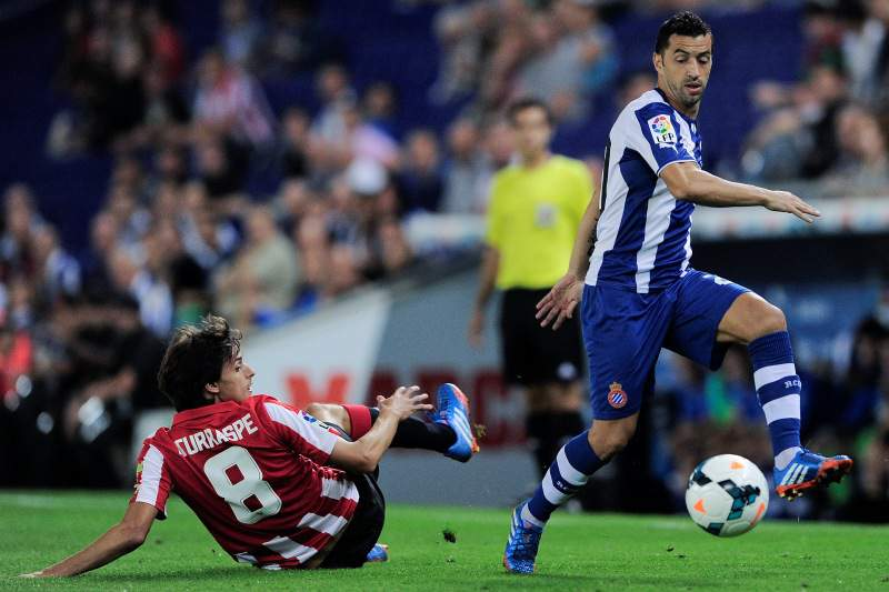 Espanyol sofre pesada derrota no terreno do Levante