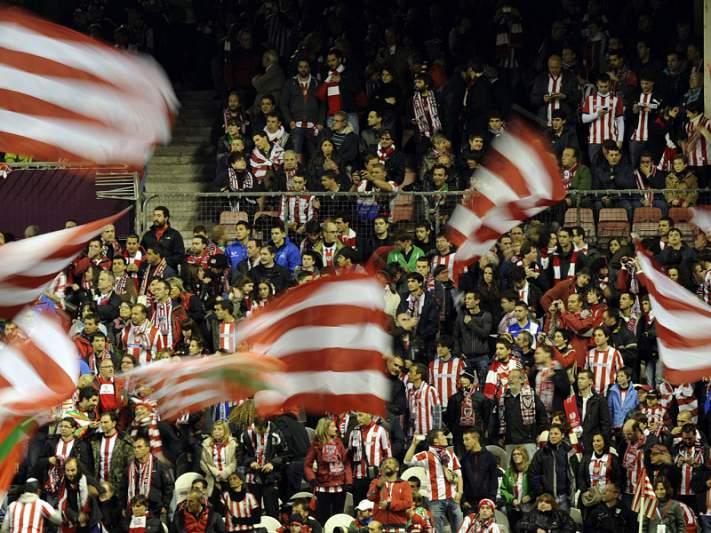 Adepto ferido em Bilbau após Athletic-Schalke 04 morreu hoje