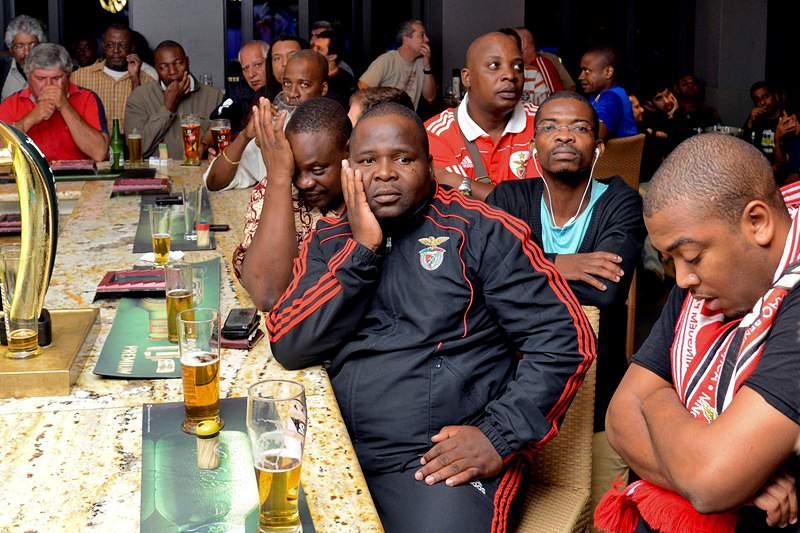 Derrota do Benfica deixa adeptos em Maputo com «ressaca a dobrar»