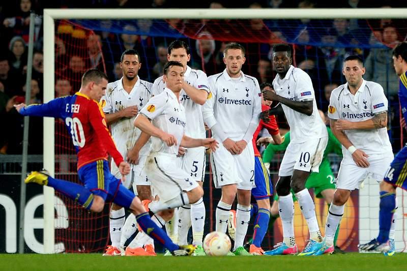 Tottenham de Villas-Boas eliminado nos penalties