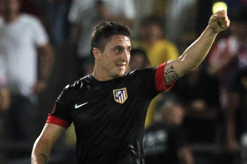 Cristian Rodriguez paga promessa