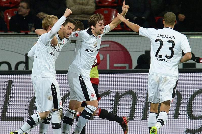 Eintracht Frankfurt empata em casa com Augsburgo