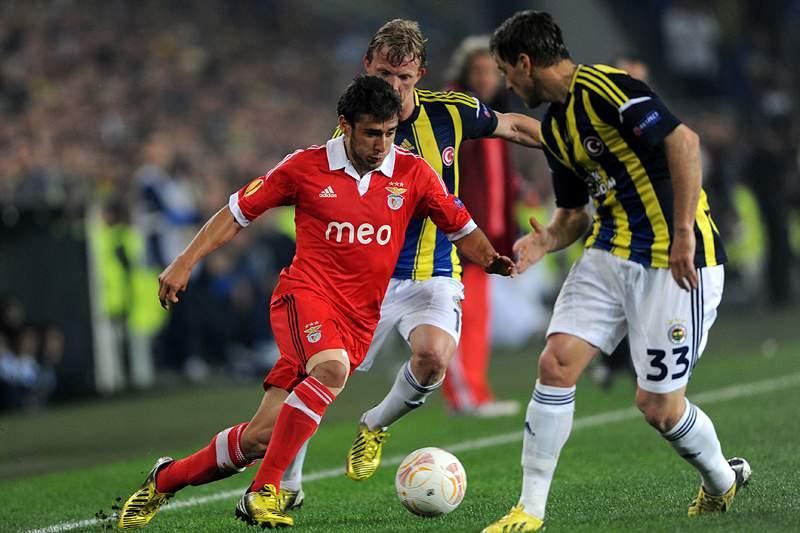 Benfica ultrapassou a nona meia-final europeia, em 13 tentativas