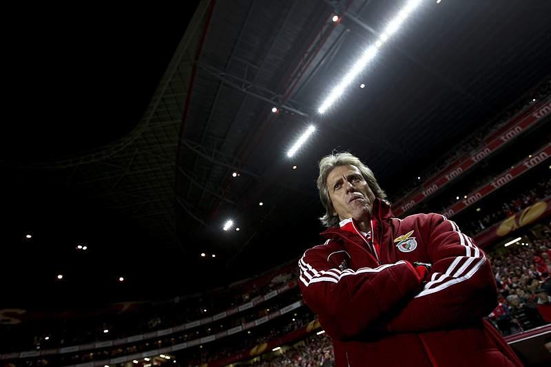 Benfica inicia luta pela vaga nas meias-finais