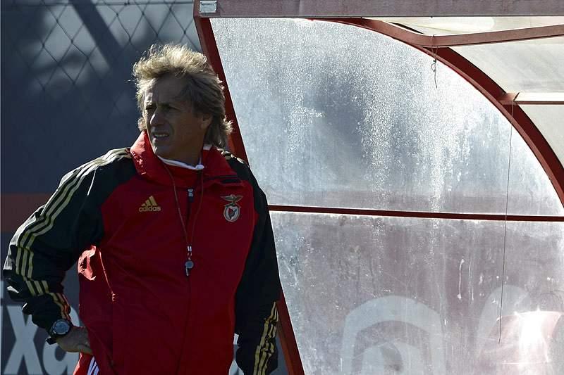 Benfica treina no Seixal antes de viajar para o Algarve
