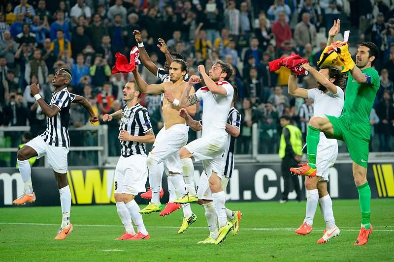 Juventus elimina Lyon e está nas meias-finais