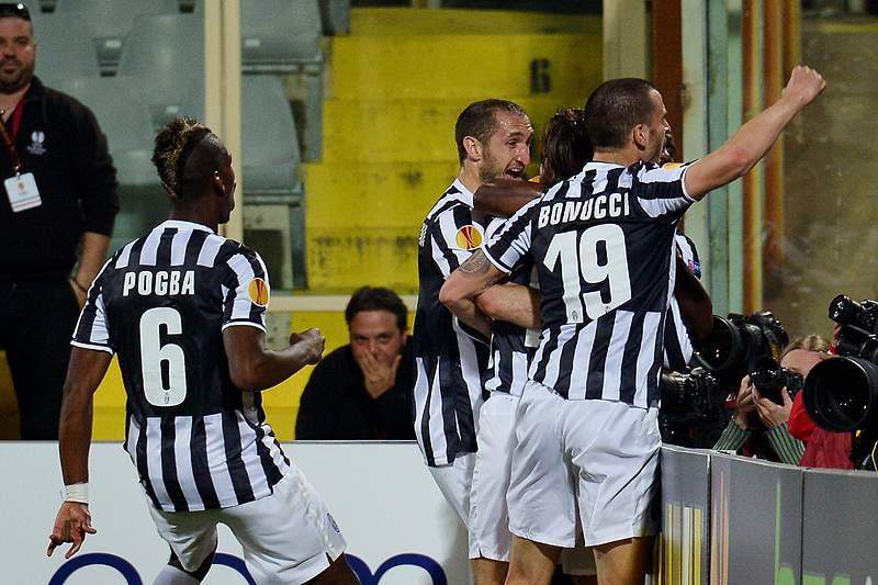 Juventus segue para os 'quartos' graças ao golo de Pirlo