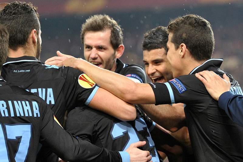 """Newcastle, Lazio e Fenerbahçe com vaga nos """"quartos"""""""
