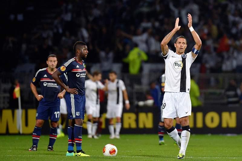 Treinador do Lyon considera que Guimarães podia ter passado