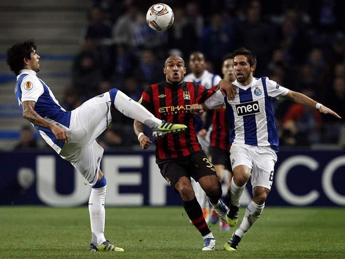 FC Porto vai apresentar queixa à UEFA por «comportamentos incorretos» dos adeptos do City