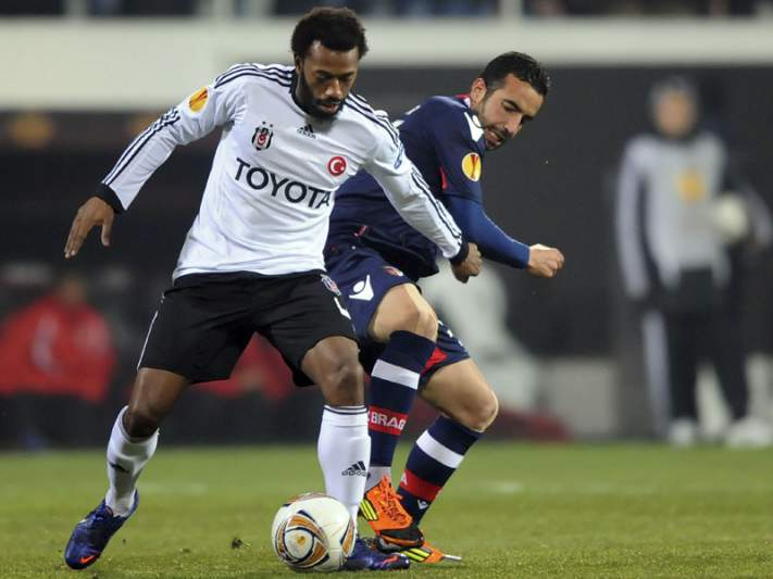 Vitórias de Sporting e Braga permitem nova aproximação a França