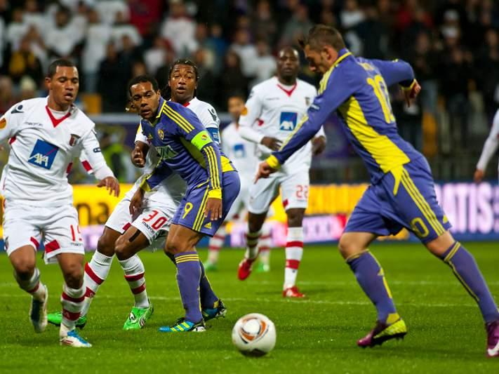 Maribor ganha no último minuto
