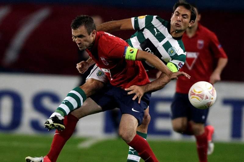 Sporting e Videoton cumprem calendário, após dilúvio da véspera