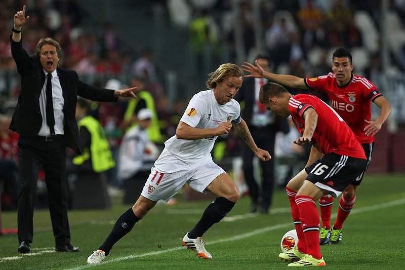 Nuno Melo sofreu pelo Benfica, com Rangel solidário