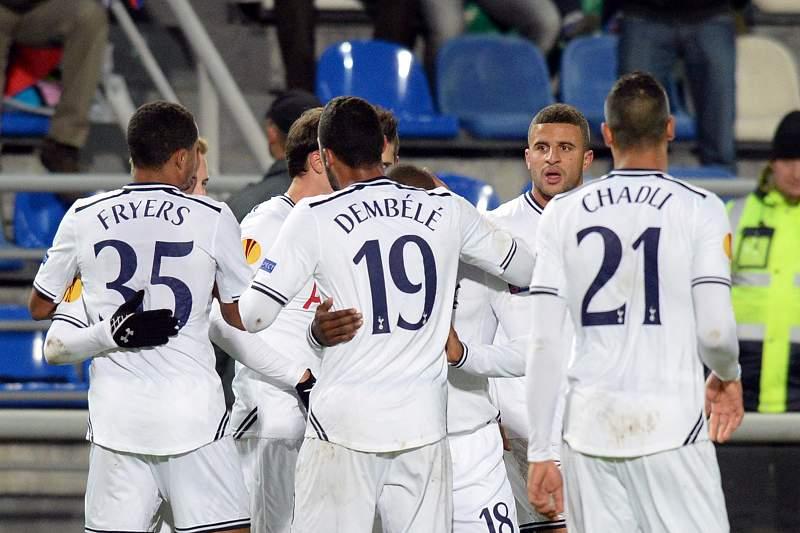 Tottenham vence Anzhi