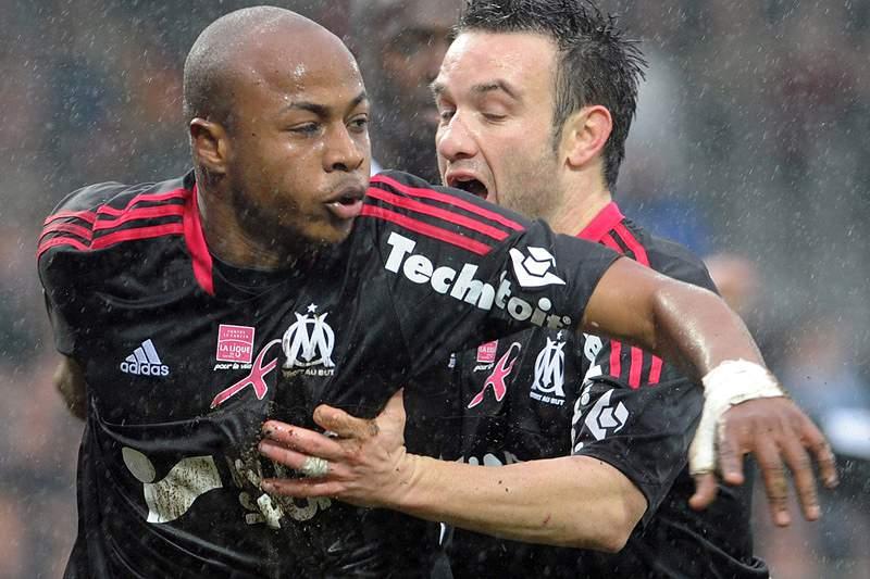 Marselha junta-se a Lyon e PSG na frente