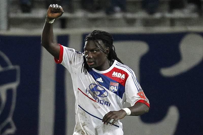 Lyon cede derrota no terreno do Evian por 2-1