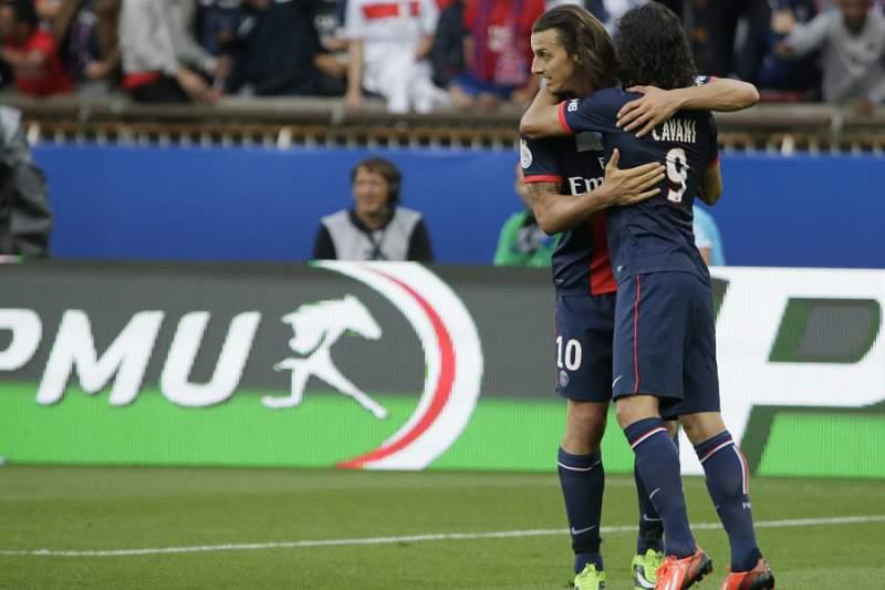 Dupla Cavani-Ibrahimovic dá vitória ao PSG