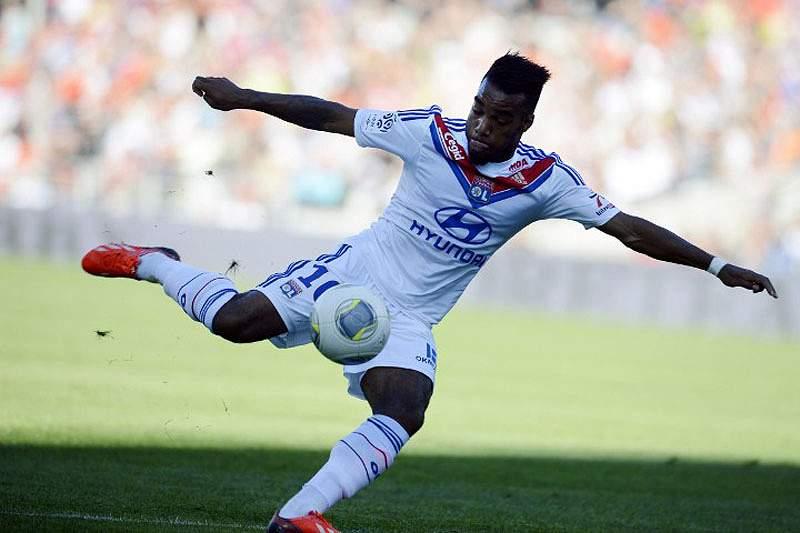 Lyon vence Troyes e vai disputar final com PSG
