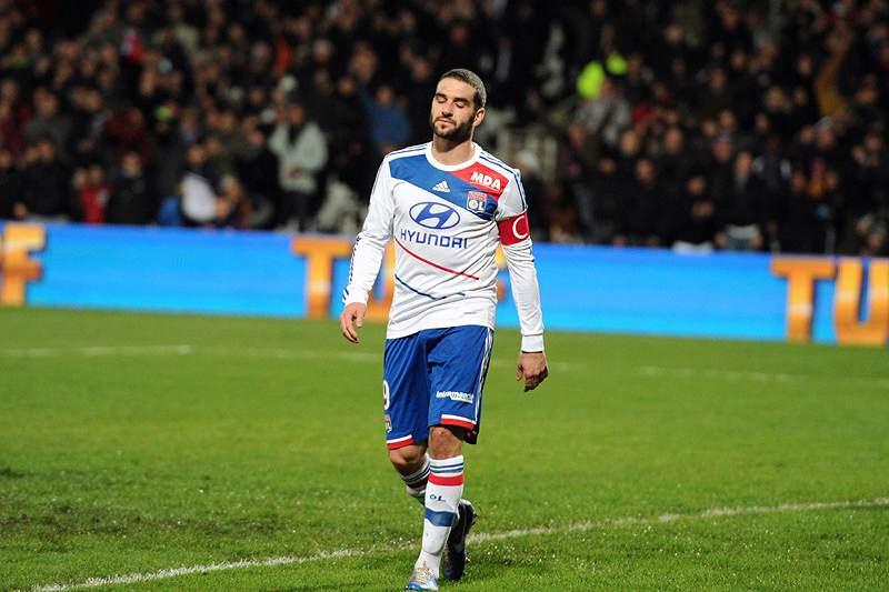Lyon foi goleado em Bastia