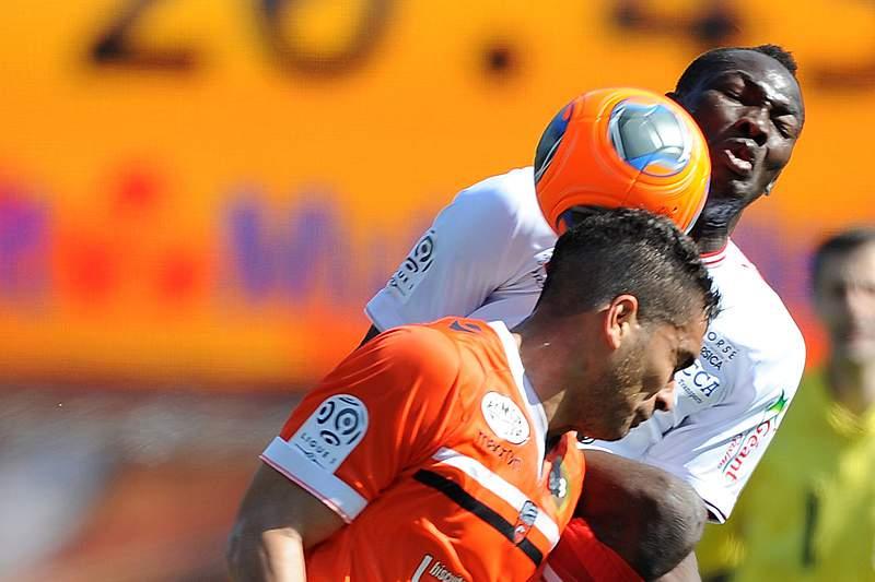 Valenciennes e AC Ajaccio descem de divisão