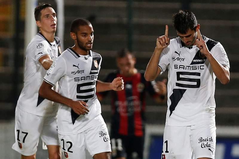 Nélson Oliveira 'bisa' e dá vitória ao Rennes