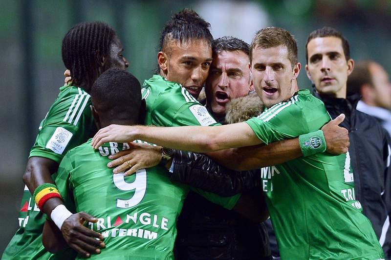 Saint-Étienne vence em Lyon e cimenta quarto lugar