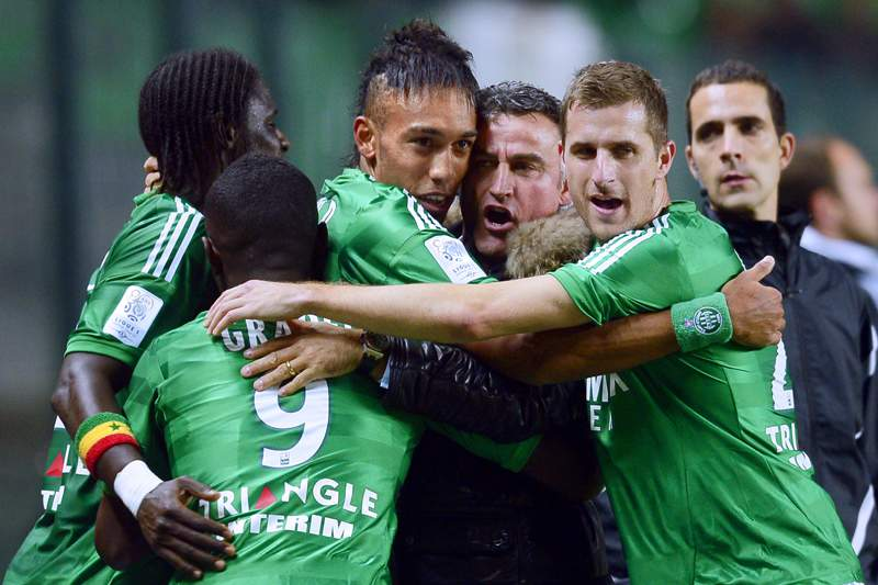 Saint-Étienne vence Bastia e ascende ao terceiro lugar