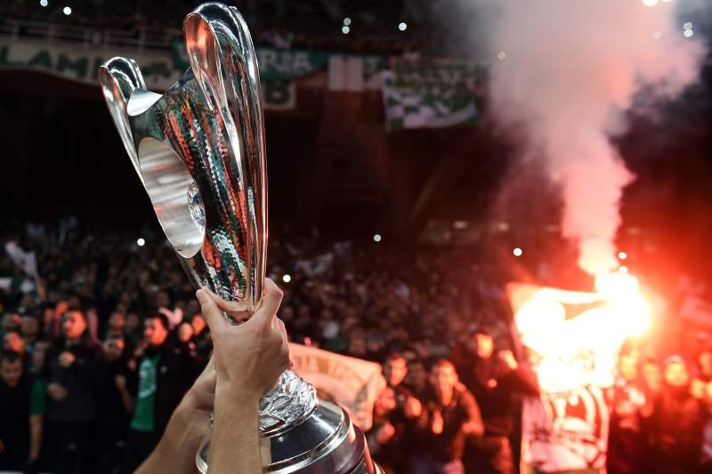 Panathinaikos vence final marcada pela violência