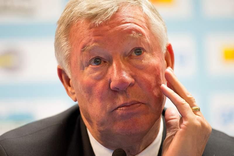 Alex Ferguson duvida de insultos racistas de Mark Clattenburg