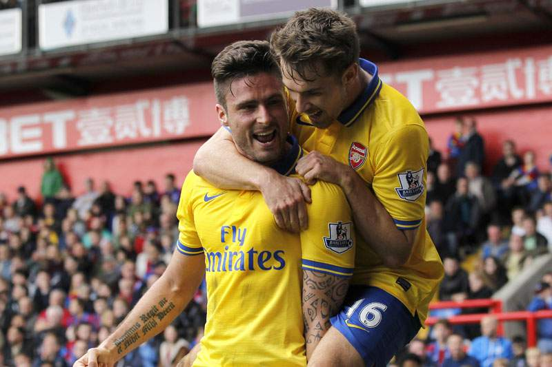 Arsenal vence e consolida liderança da liga inglesa