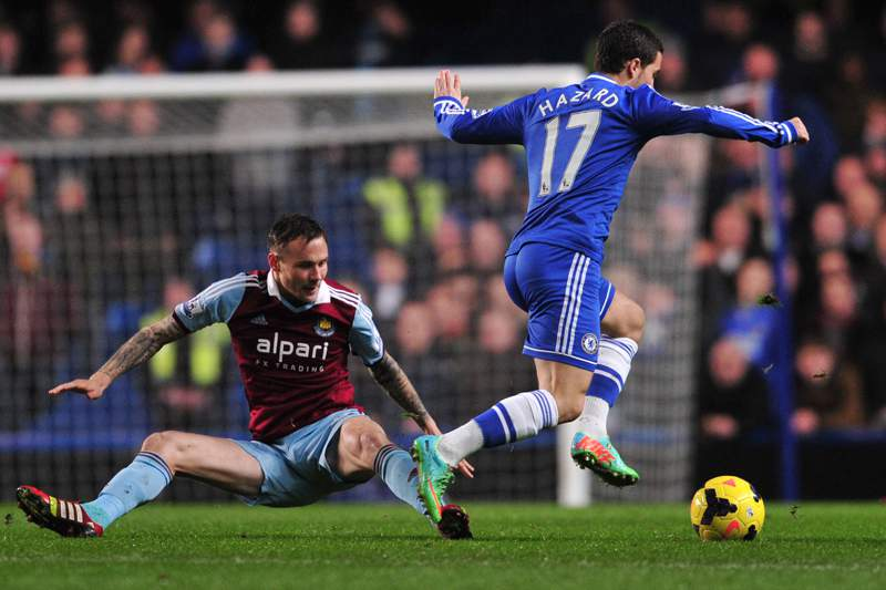 Chelsea de Mourinho falha assalto à vice-liderança