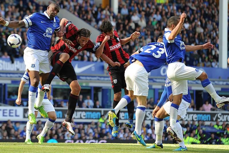 Everton sofre para eliminar equipa do terceiro escalão