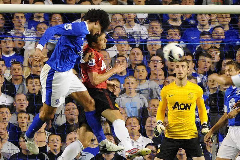 Fellaini arrisca suspensão de nove jogos