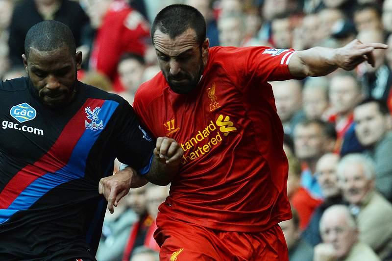 Liverpool sem Jose Enrique durante dez semanas