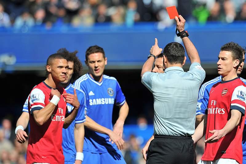 Recurso do Arsenal iliba Gibbs e Chamberlain