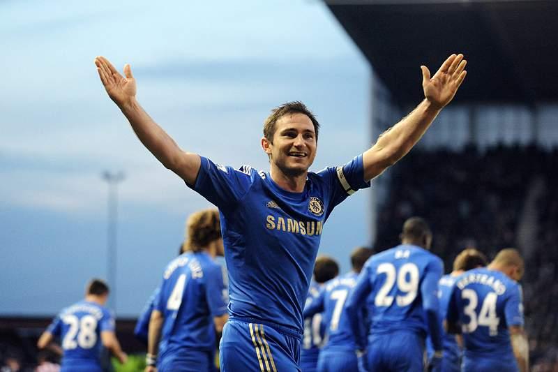 Chelsea mantém terceiro lugar com goleada