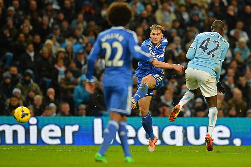 Ivanovic coloca Mourinho a dois pontos da liderança
