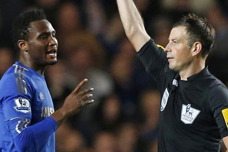 Chelsea pediu desculpa ao árbitro Mark Clattenburg