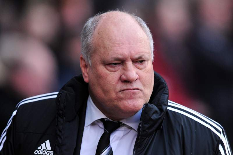 Fulham demite técnico Martin Jol