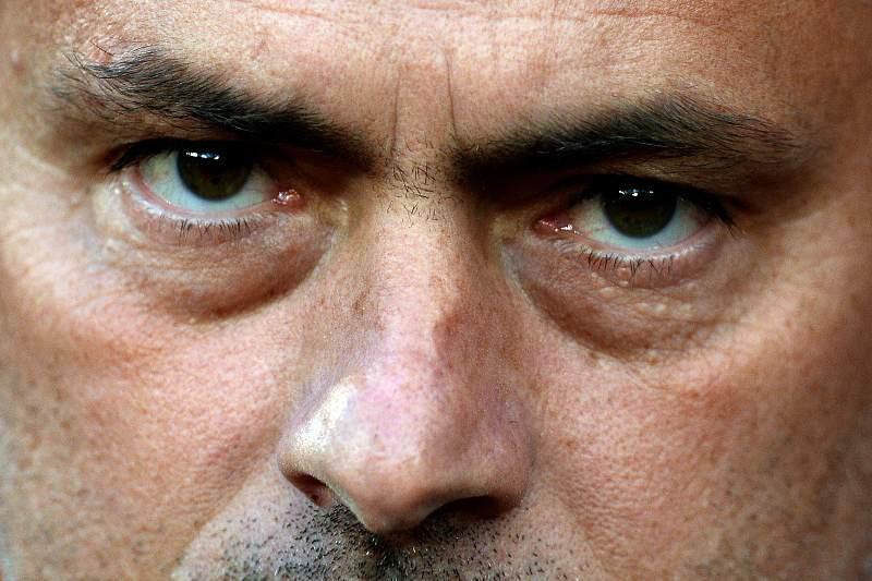 Mourinho abandona conferência de imprensa