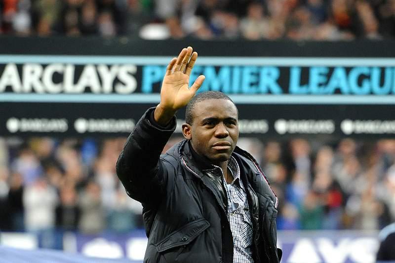 Muamba retira-se do futebol