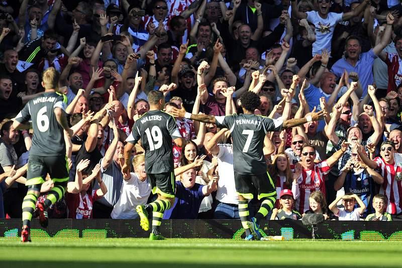 Stoke City vence e iguala City na classificação
