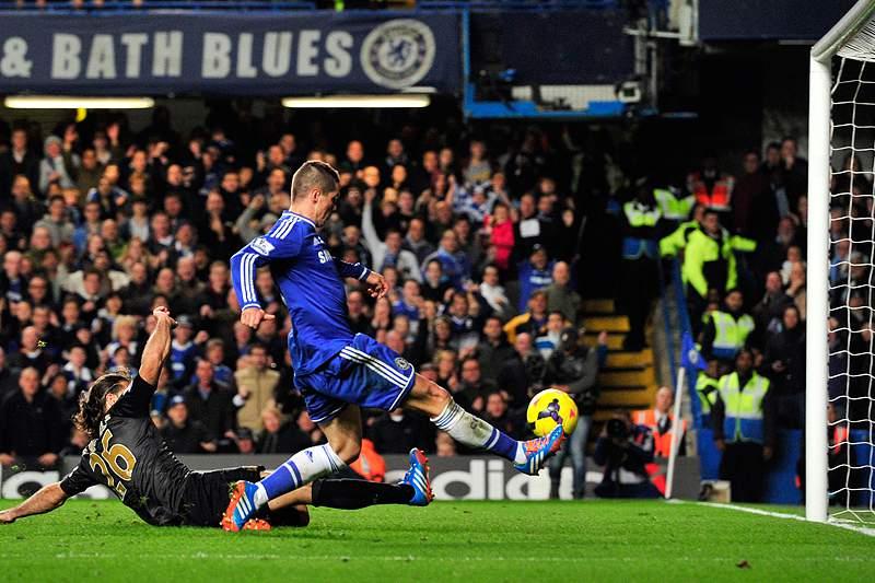 Chelsea vence City, Tottenham também ganha