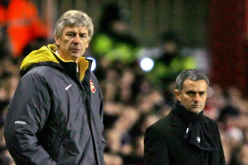 Wenger junta-se a Mourinho nas críticas ao Manchester City